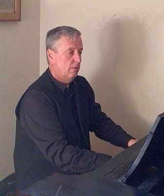 Mark Whitlock, piano